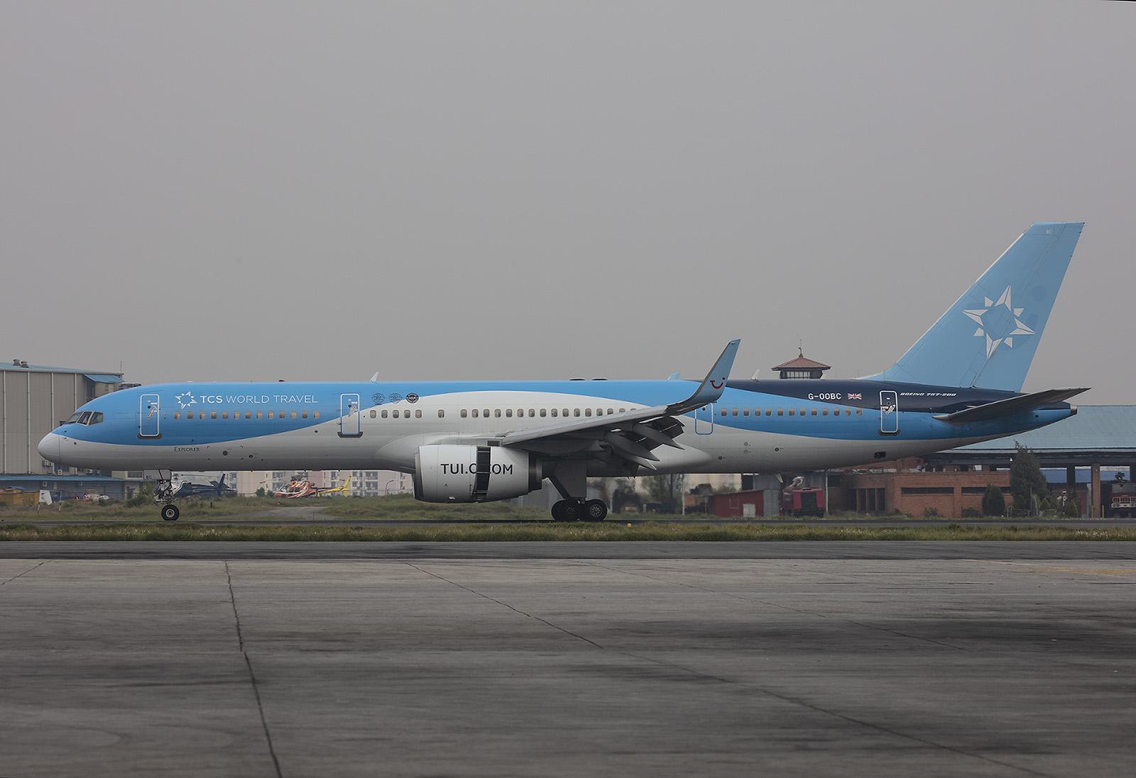 Boeing 757 der TUIFly auf Weltumrundung.