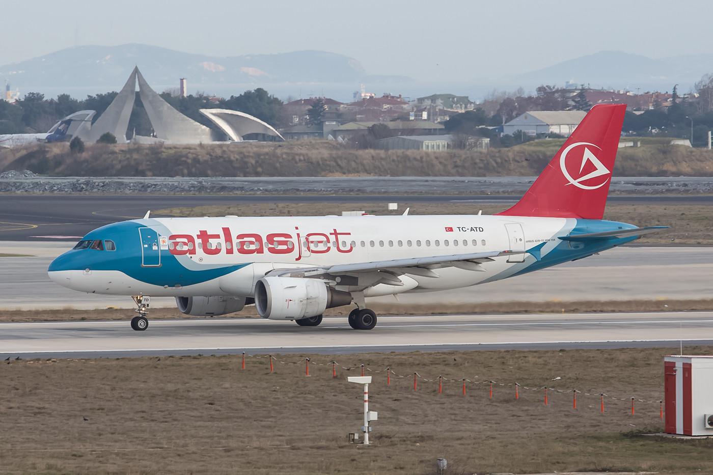 Neben TK und Onur ist Atlasjet die dritte große Airline in IST.