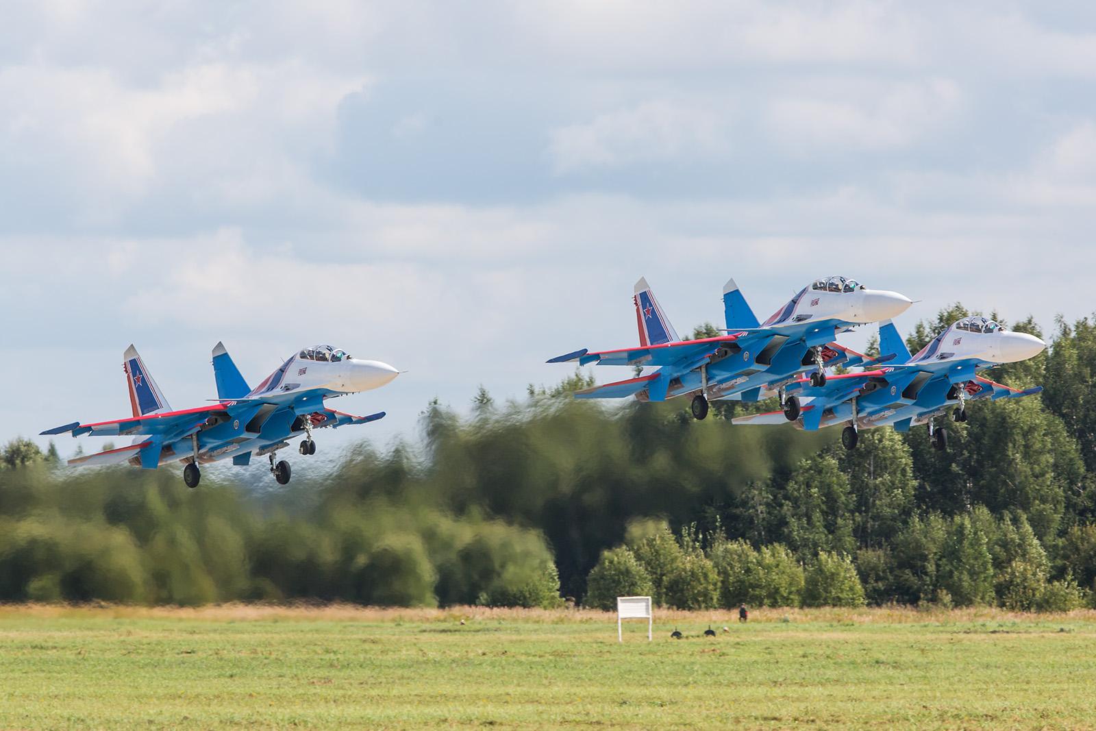 """Seit rund einem Jahr fliegen die """"Russian Knights"""" die Sukhoi Su-30SM als Einsatzmuster."""