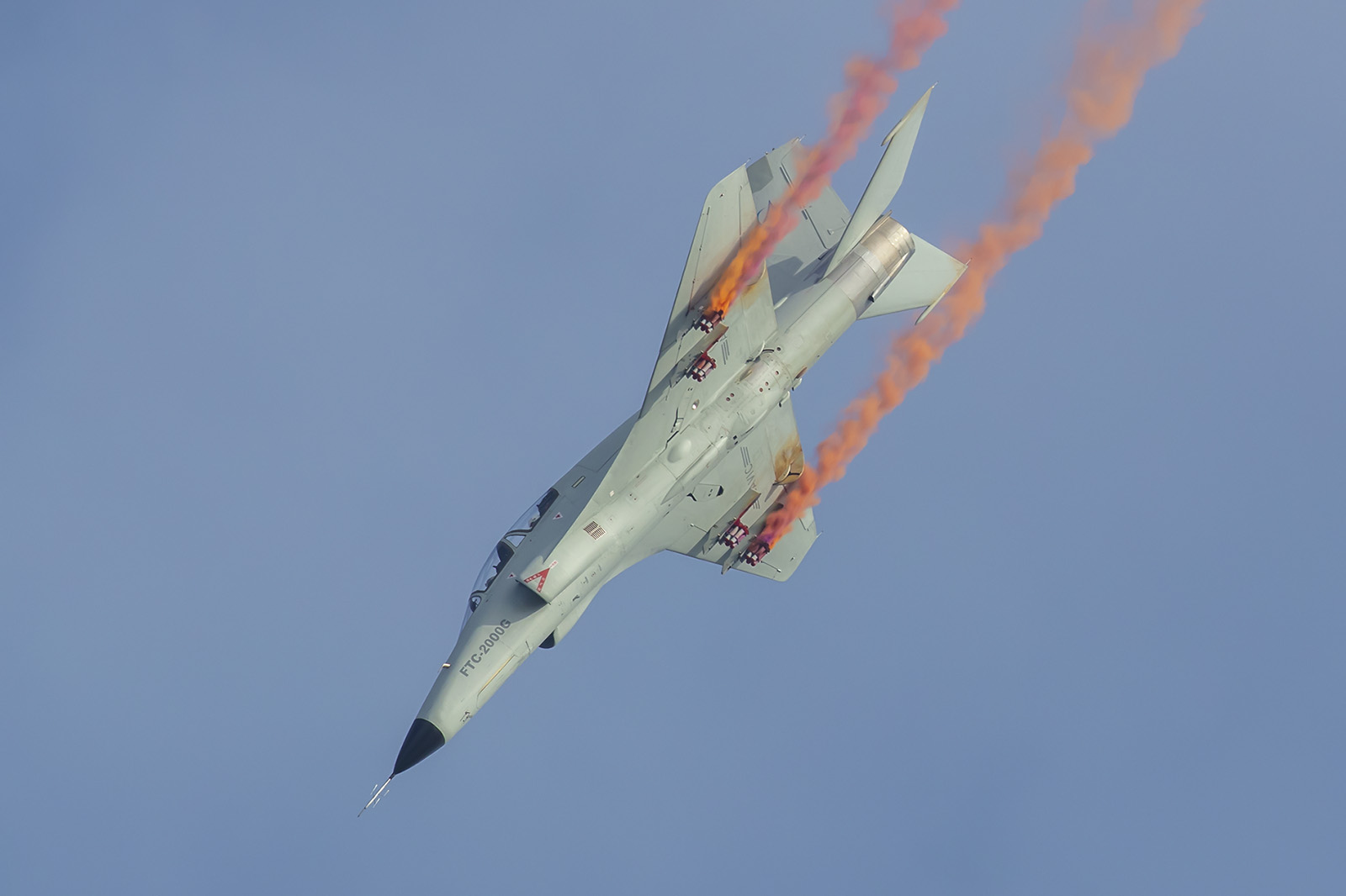 In der Exportvariante ist die JL-9 eher ein leichtes Kampfflugzeug, als ein Trainer.