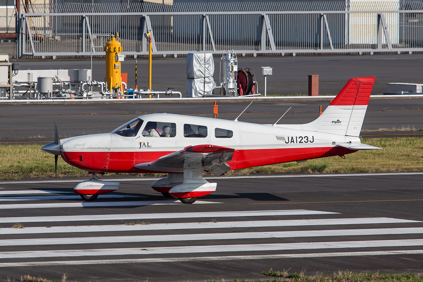 Piper PA-28 Archer III der Japan Airlines