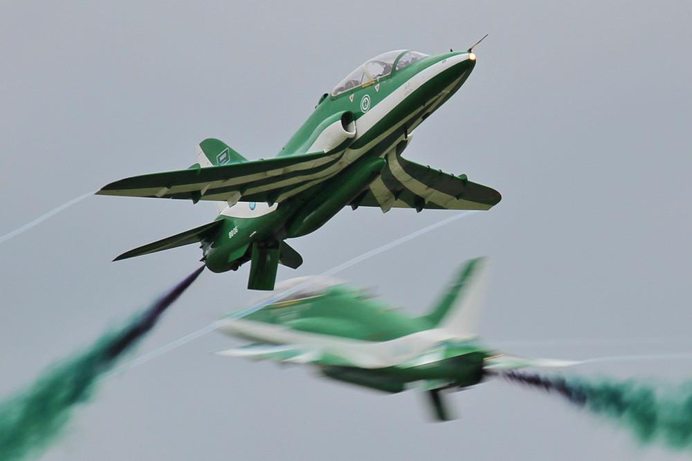 """Die """"Saudi Hawks"""" während ihrer Vorführung."""