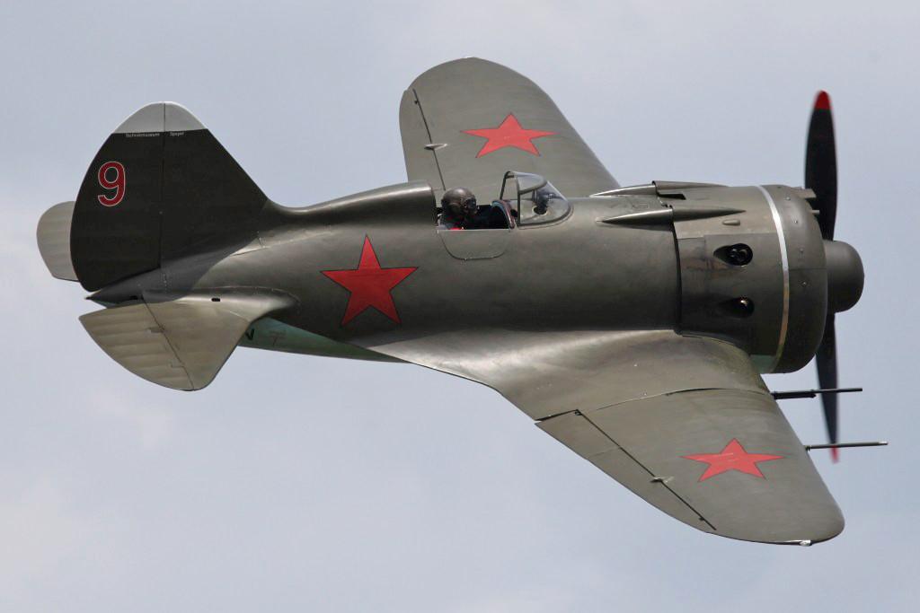 Dieser Tiefdecker wurde zu Beginn des II. Weltkrieges durch die Rote Armee in großer Zahhl eingesetzt.