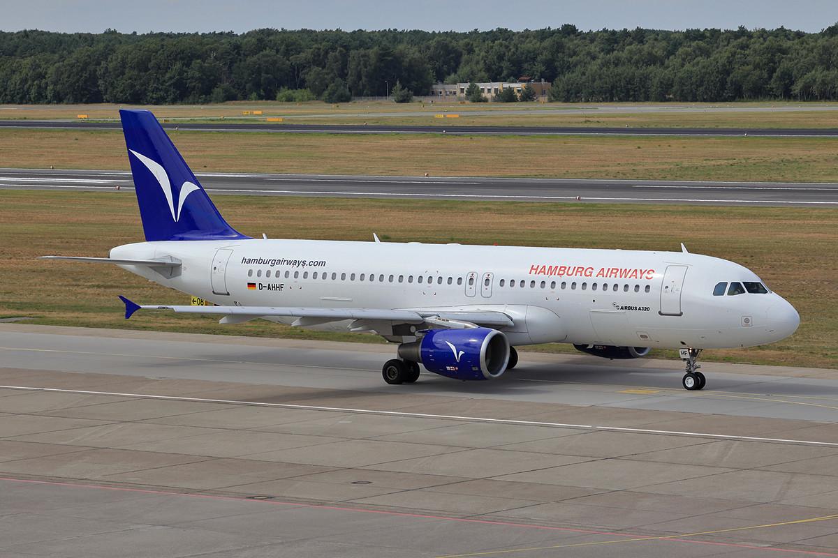 Ebenfalls neu für mich war diese ex-Iberworld, ex-Aigle Azur, ex-Hello A-320 der Hamburg Airways.
