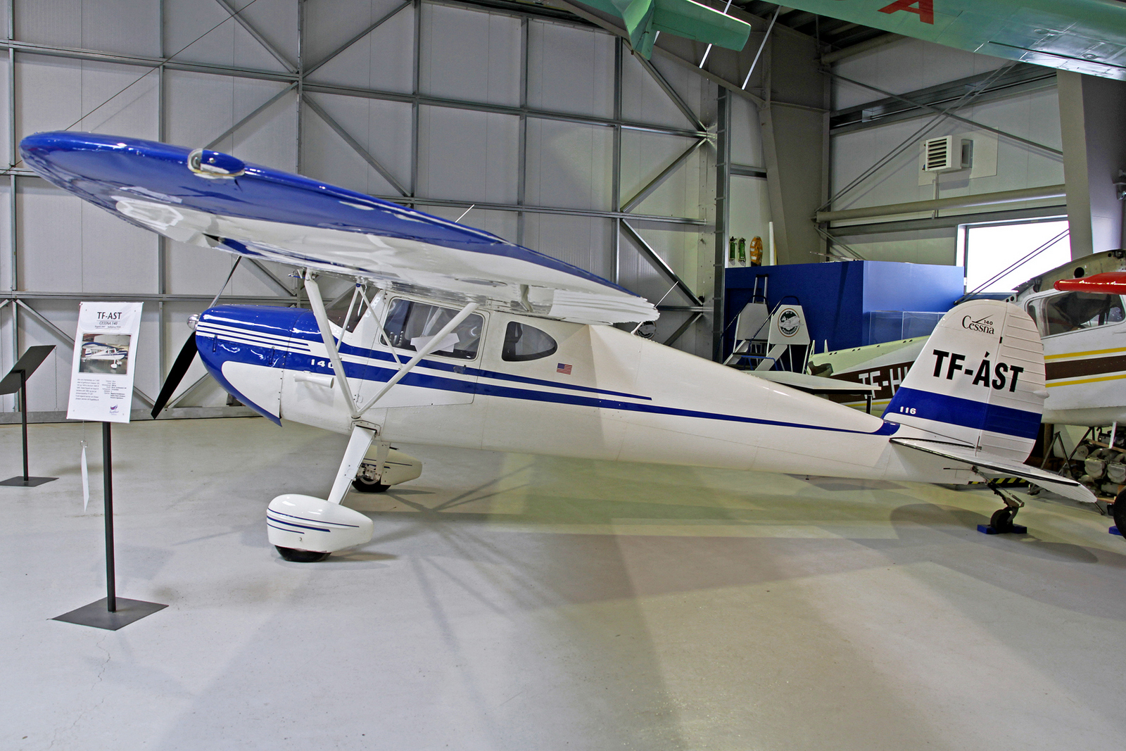 Private Cessna 140 TF-AST, AEY, 14. August 2020