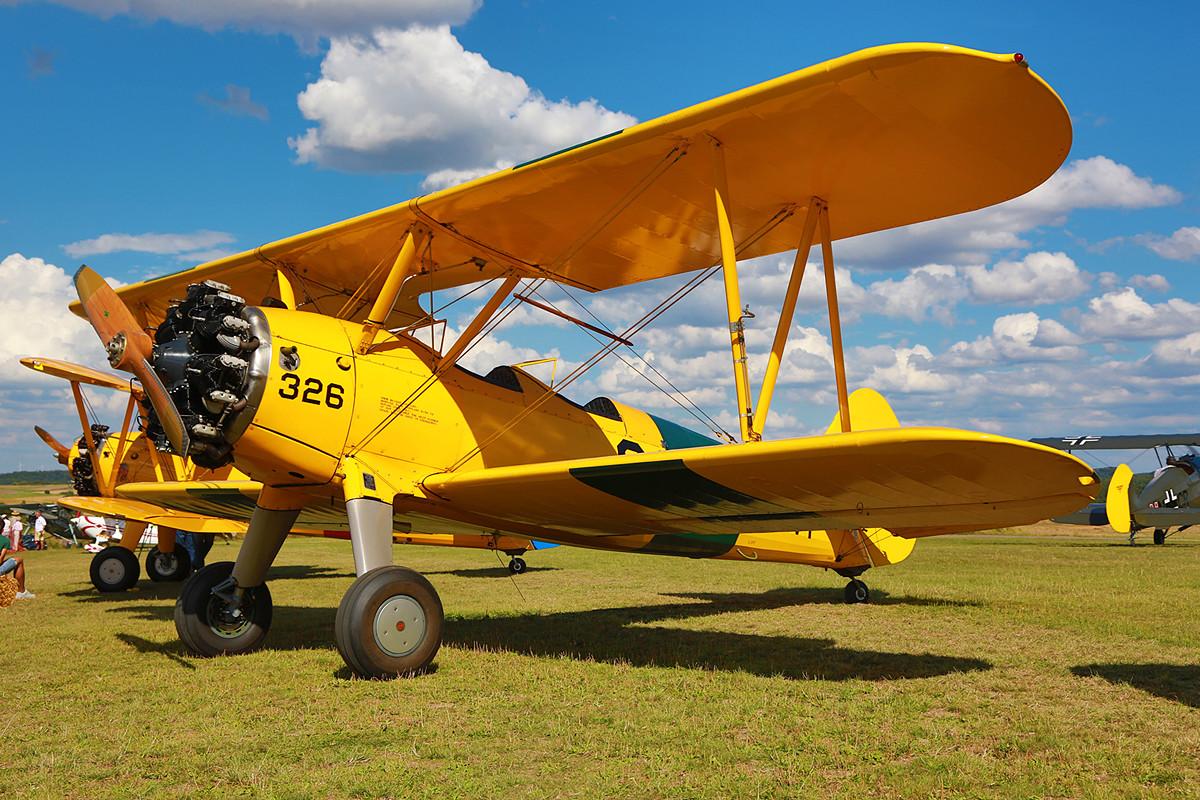 Die N3972U aus Bienenfarm ist eine der Boeing/Jones 75. Sie wurde aus einem Navysatz montiert, einer N2S-3.