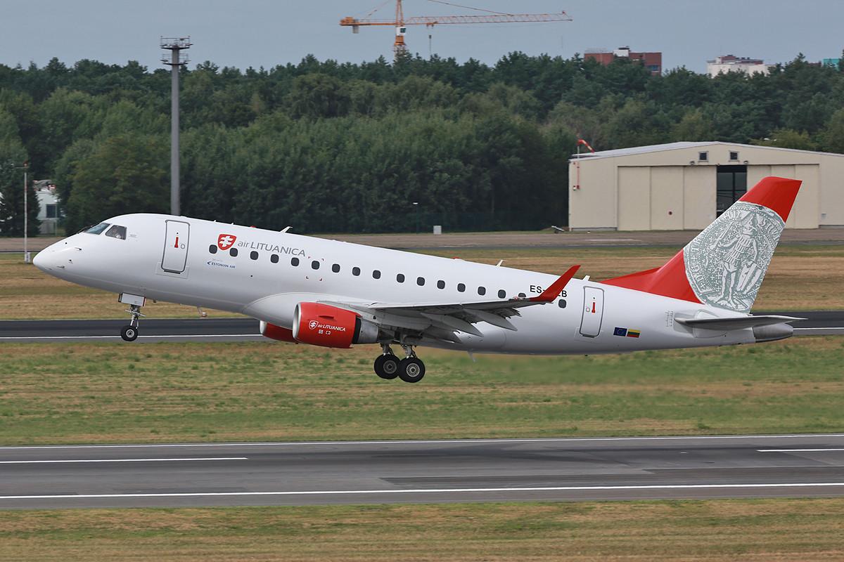 Der Grund für meinen Besuch war sie, die Air Lituanica ERJ-175.