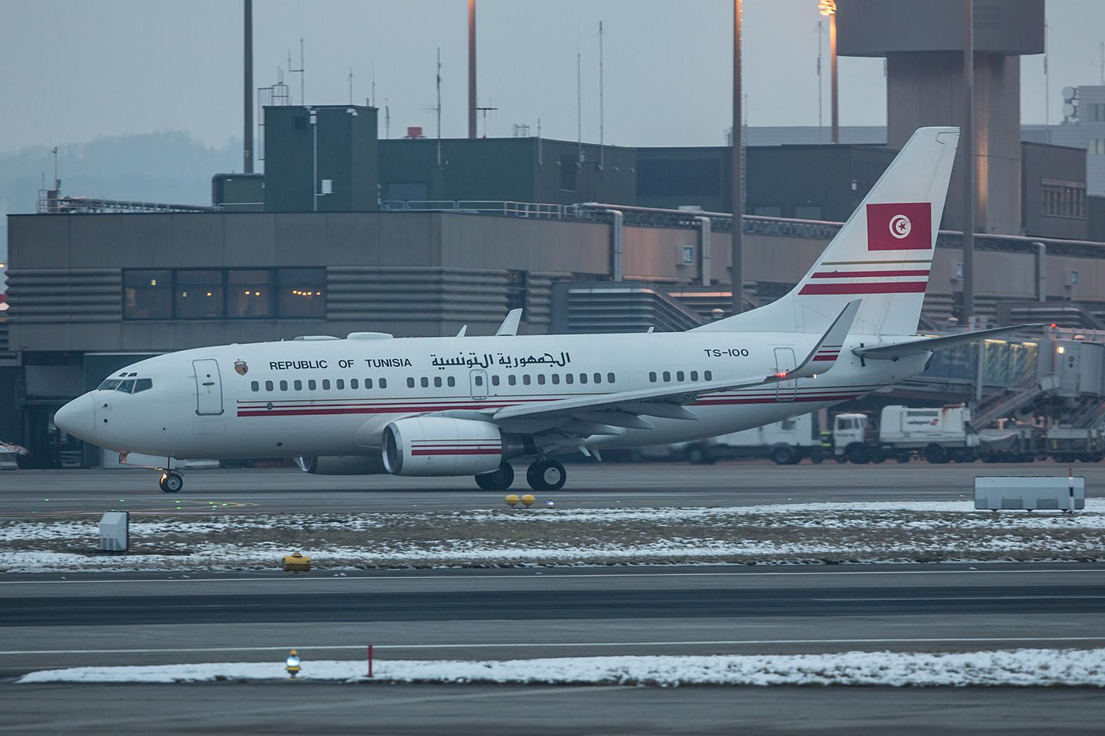 Die Delegation aus Tunesien verließ Zürich am Morgen bei noch bescheidenem Licht. TS-IOO, Boeing 737-7H3 (BBJ)