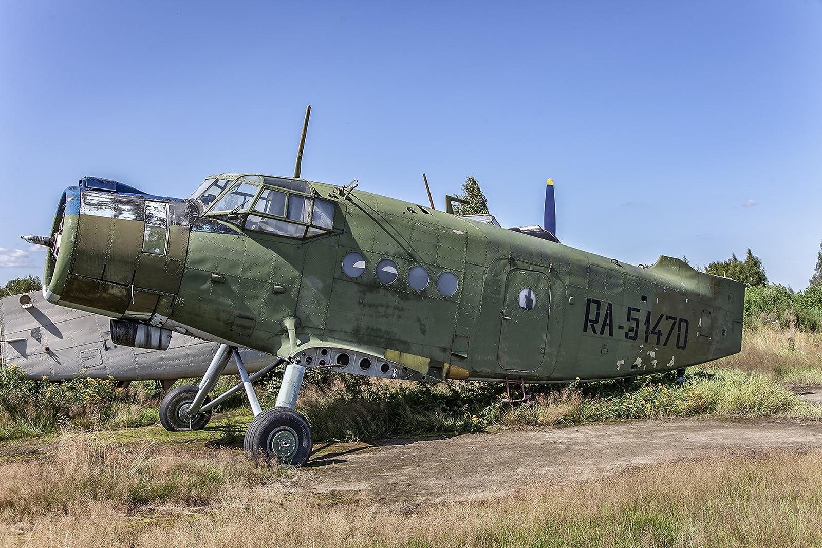 Nochmal eine An-2, die als Ersatzteilspender dient.