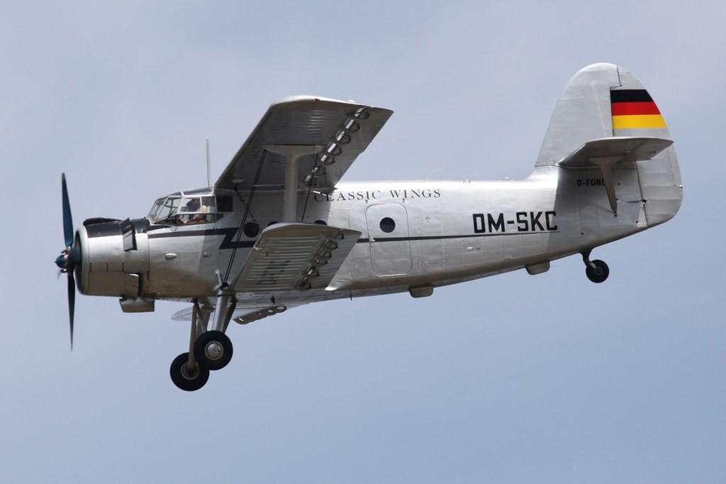 AN 2 der Classic Wings mit einem militärischen Kenner aus DDR-Zeiten.