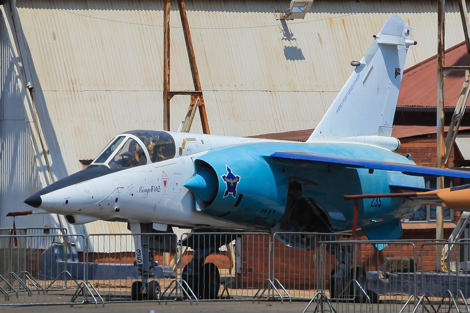"""Die """"235"""" im Aussengelände des Museums, sie war eine Mirage F-1AZ."""