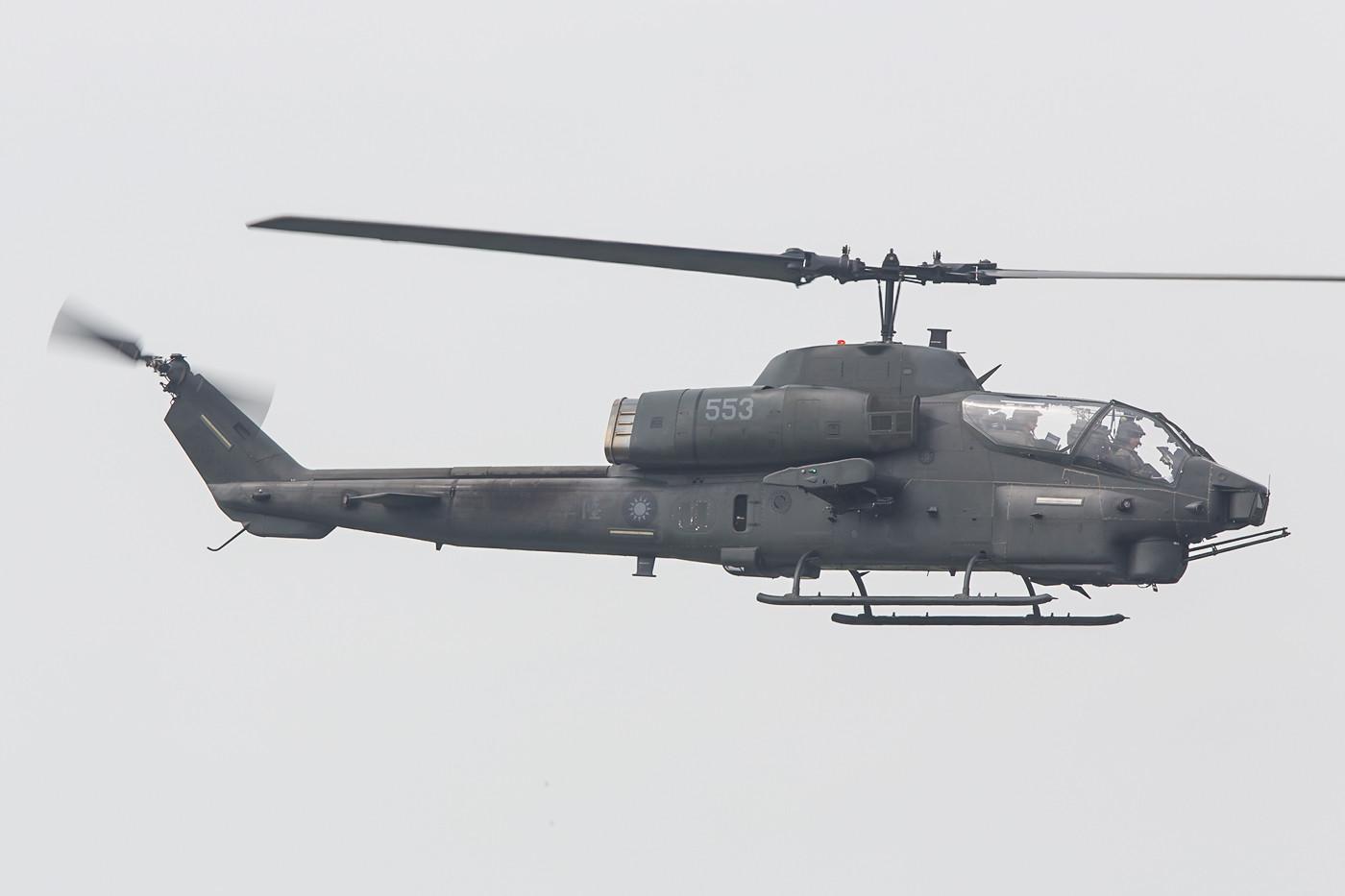 AH-1W Super Cobra. Die Cobra war bei ihrer Indienststellung in den 1960´ern der erste richtige Kampfhubschrauber der Welt.