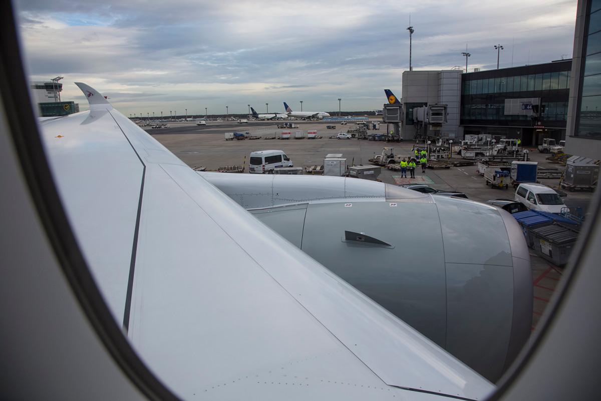 Blick aus dem Fenster in Reihe 16, der ersten Sitzreihe in der Economy Class.