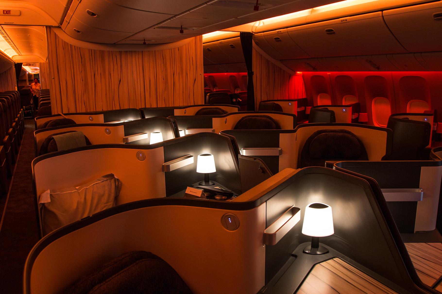 Die Business Class in der Boeing 777 nimmt fast den halben Flieger in Anspruch.