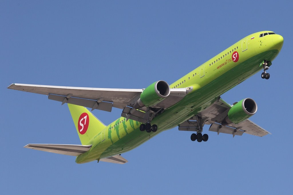 Russische Airlines fliegen aufgrund der starken Nachfrage mit Großgerät nach Dubai. Hier die Sibir mit Boeing 767-300.
