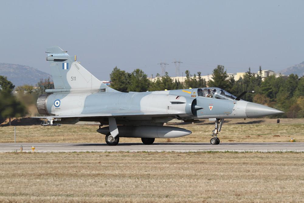 Mirage 2000-5G auf dem Weg zum Start.