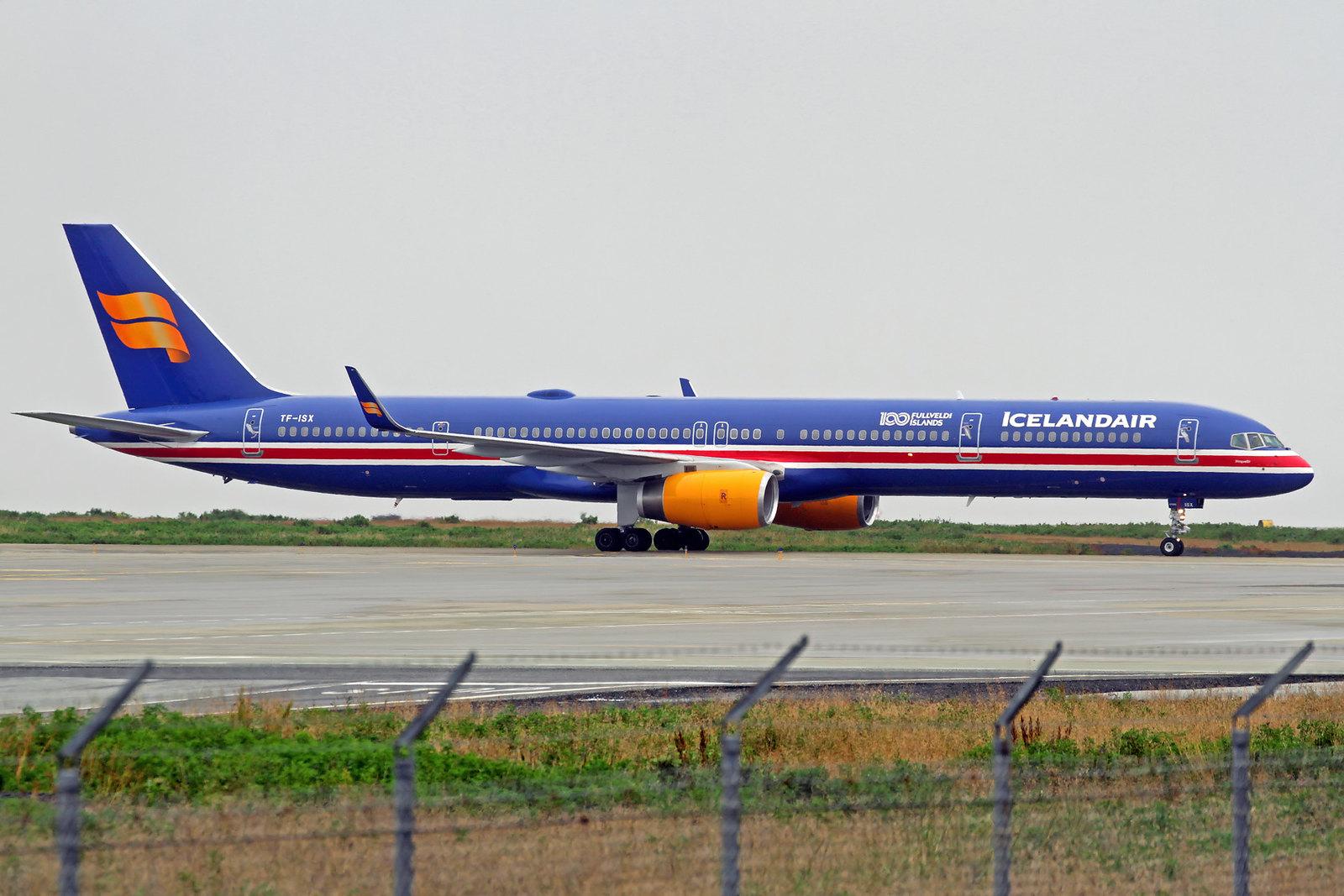 "Icelandair Boeing 757-3E7 TF-ISX ""Þingvellir"", KEF, 15. August 2020"