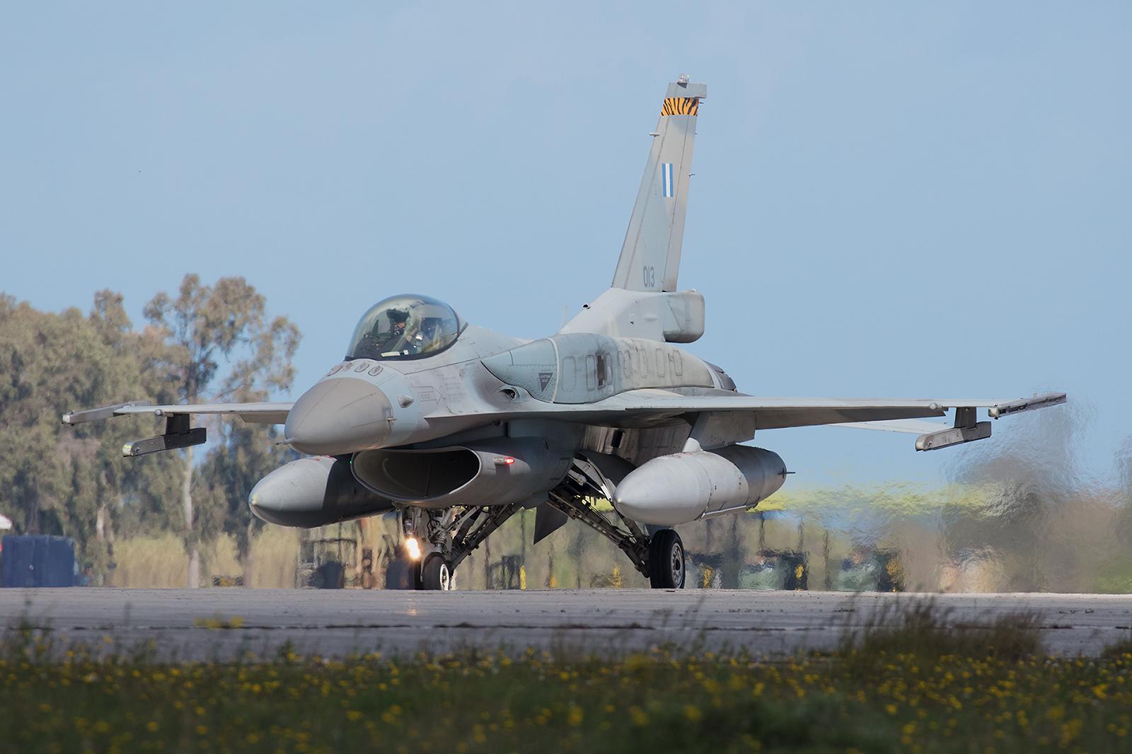 013, General Dynamics F-16C Block 52 der 335 Mira aus Araxos.