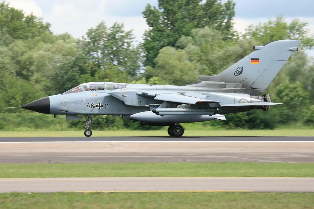 Als einziges Kampfflugzeug verfügt der Tornado über eine Schubumkehr beim Landen.