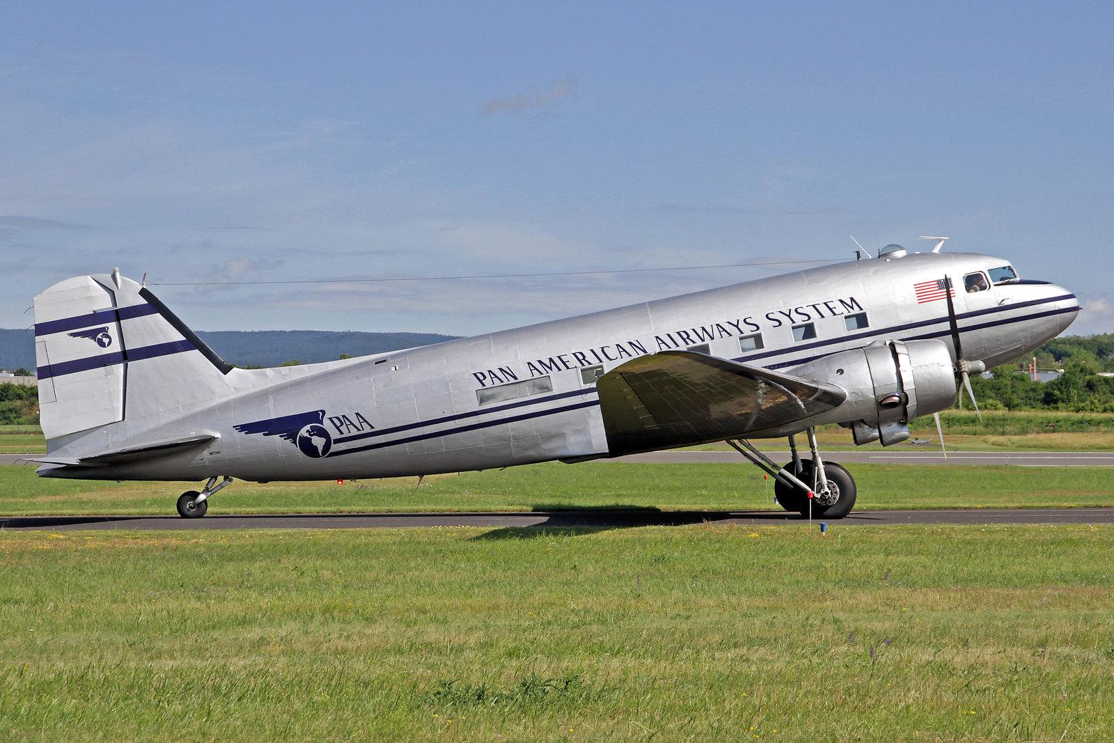 N877MG - Diese Douglas C-47B-1-DL (s/n 20806) wurde vor 75 Jahren (1944) in Long Beach für die U.S. Army gebaut. 1943 wurde sie mit der Kennung 43-16340 ausgeliefert. 2006 wurde sie von der Historic Flight Foundation in Seattle übernommen.