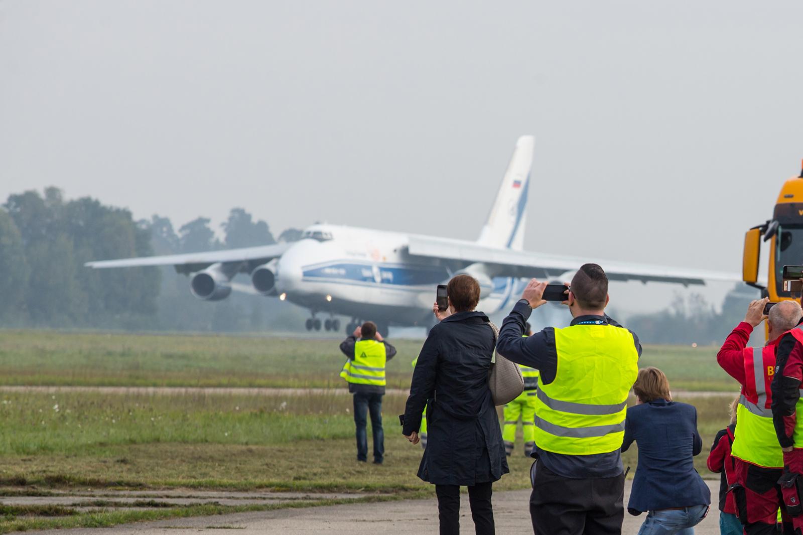 An Bord dieser An-124 berührt die Landshut wieder deutschen Boden.