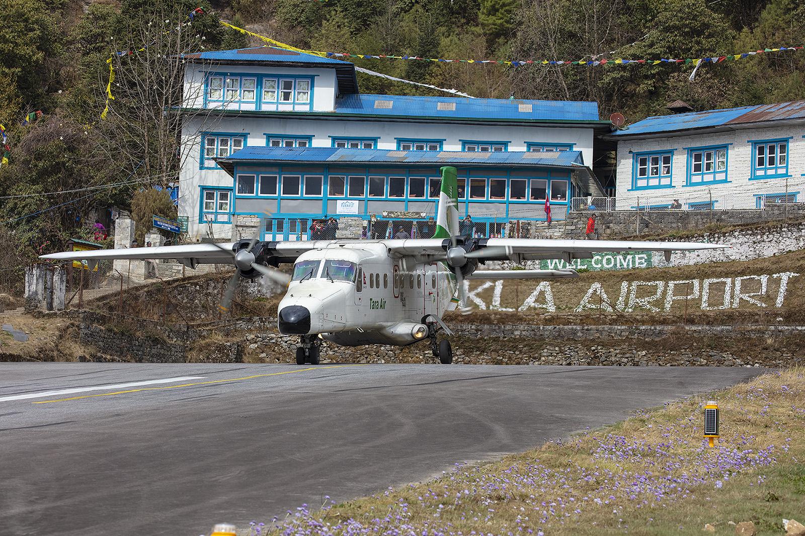Tara Air nimmt Anlauf.