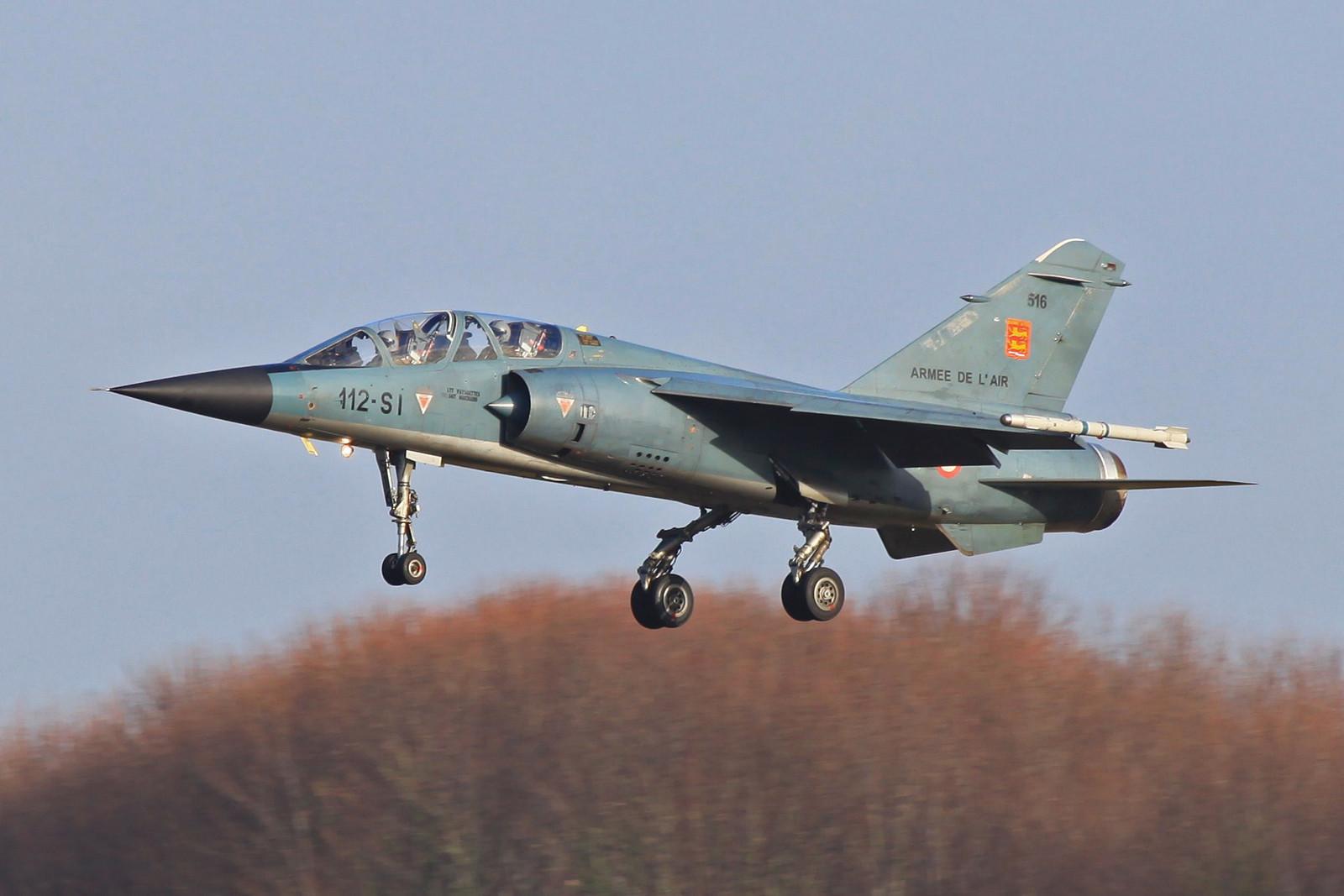Auch die 516 kam von Colmar nach Reims. Nach der Zentralisierung fast aller Mirage F-1 in der Champagne herrschte dort reger Flugbetrieb.