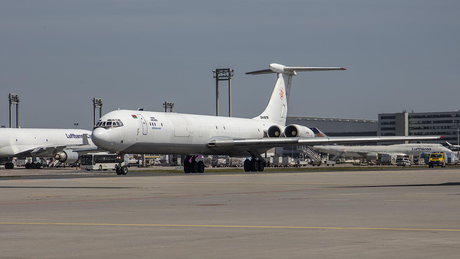 ...die Il-62 der Rada Air.