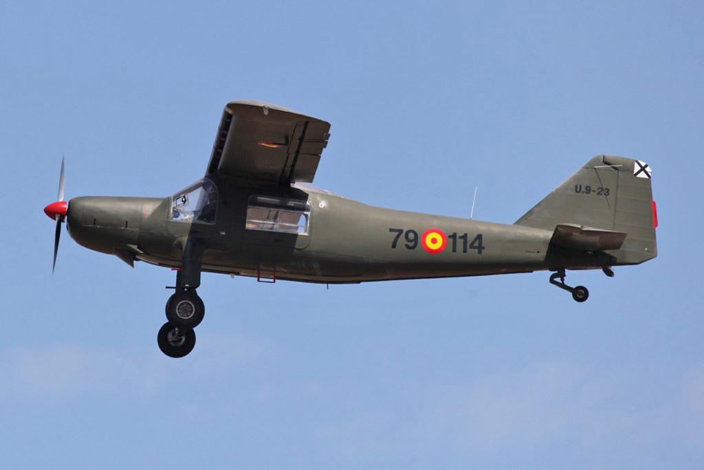 Die DO 27 dienen als Verbindungsflugzeuge und leichte Aufklärer.
