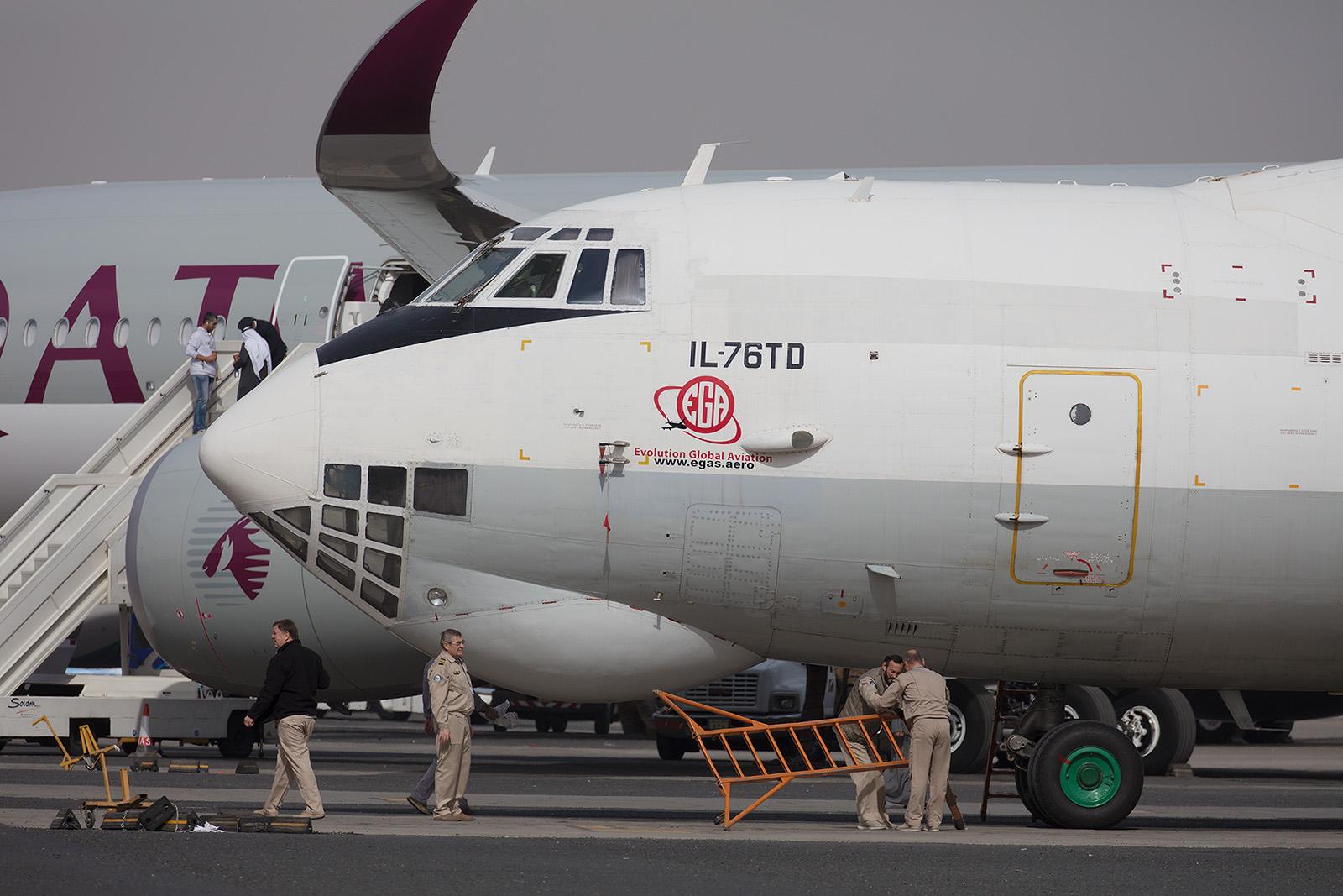Diese Il-76TD fliegt von Kuwait aus Hilfseinsätze in de Irak.