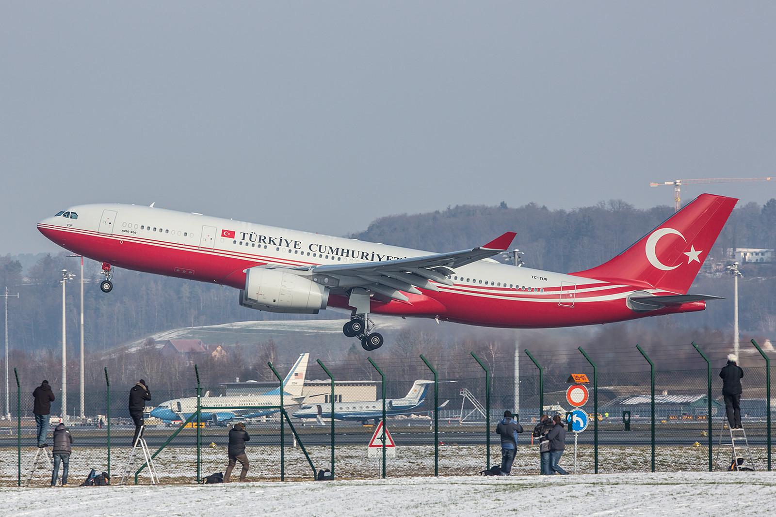 Der Regierungsjet aus der Türkei, TC-TUR ein A330-243 Prestige