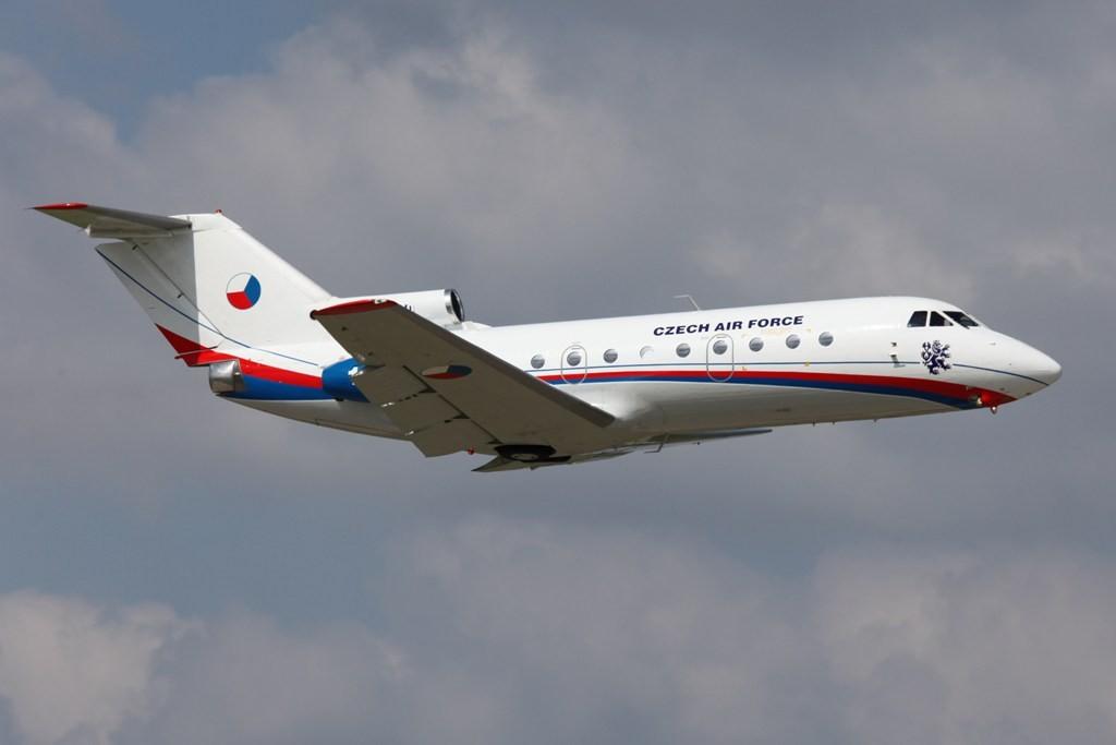 Aus Tschechien kam diese YAK 40 der Regierungsflieger.