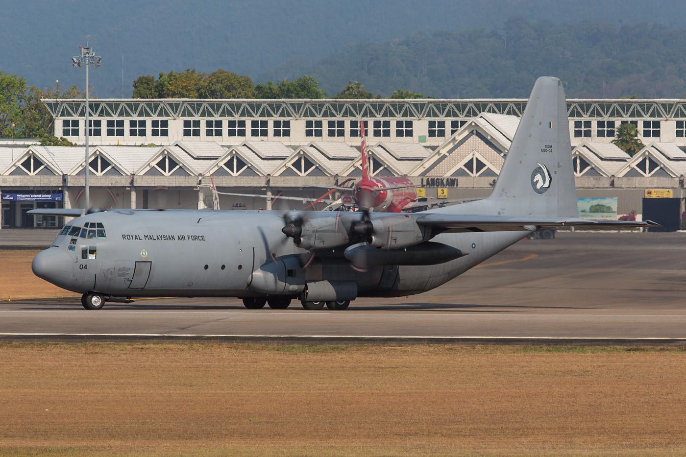 C-130H-30, mehrere Hercules der TUDM wurden beim Upgrade verlängert.