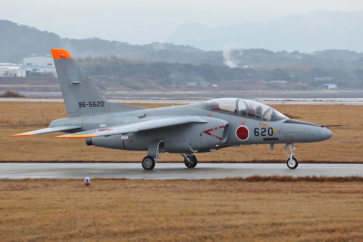 96-5620, ohne Markings. Der Fleck am Tail verrät, auch sie gehört nach Fukuoka.