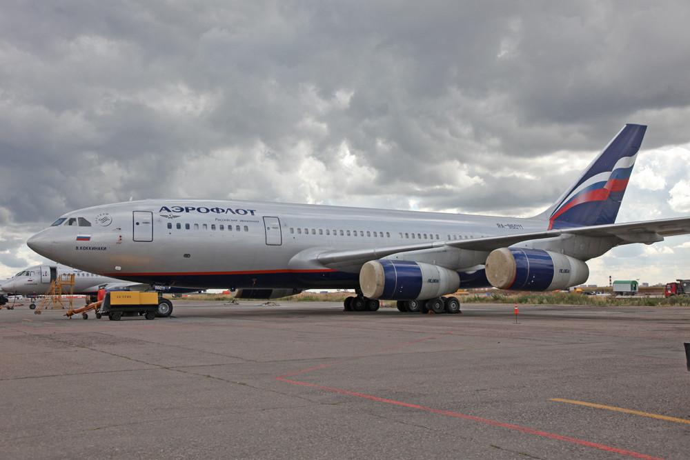 Mittlerweile hat sich Aeroflot von den IL-96 getrennt.