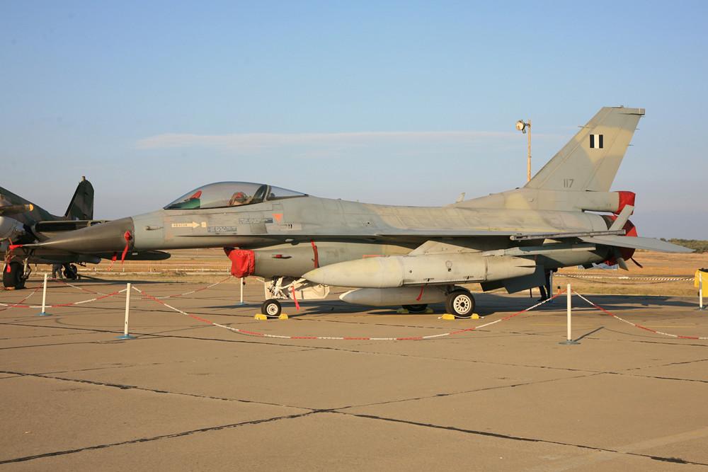Eine schöne originale F-16C Block 30 ohne MLU.