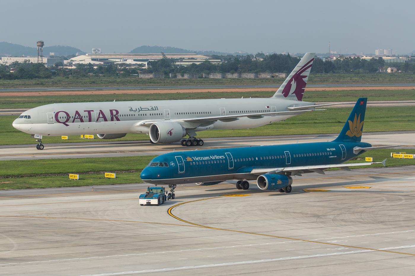 Qatar Airways auf dem abendlichen Flug aus Doha.