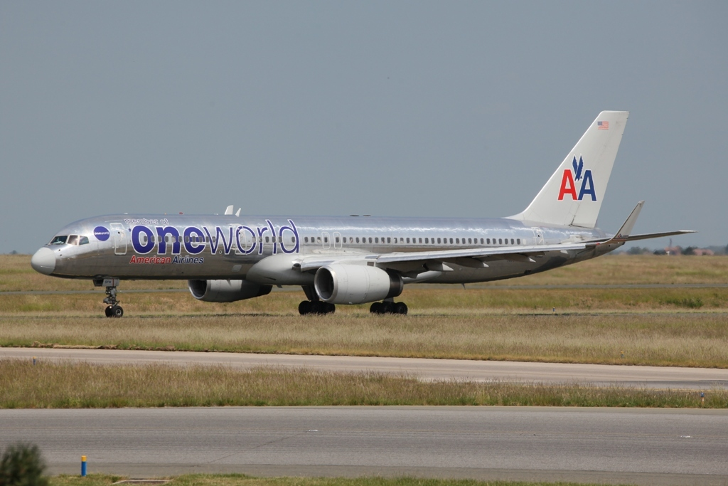 American Airlines ist Mitglied One World Alliance.