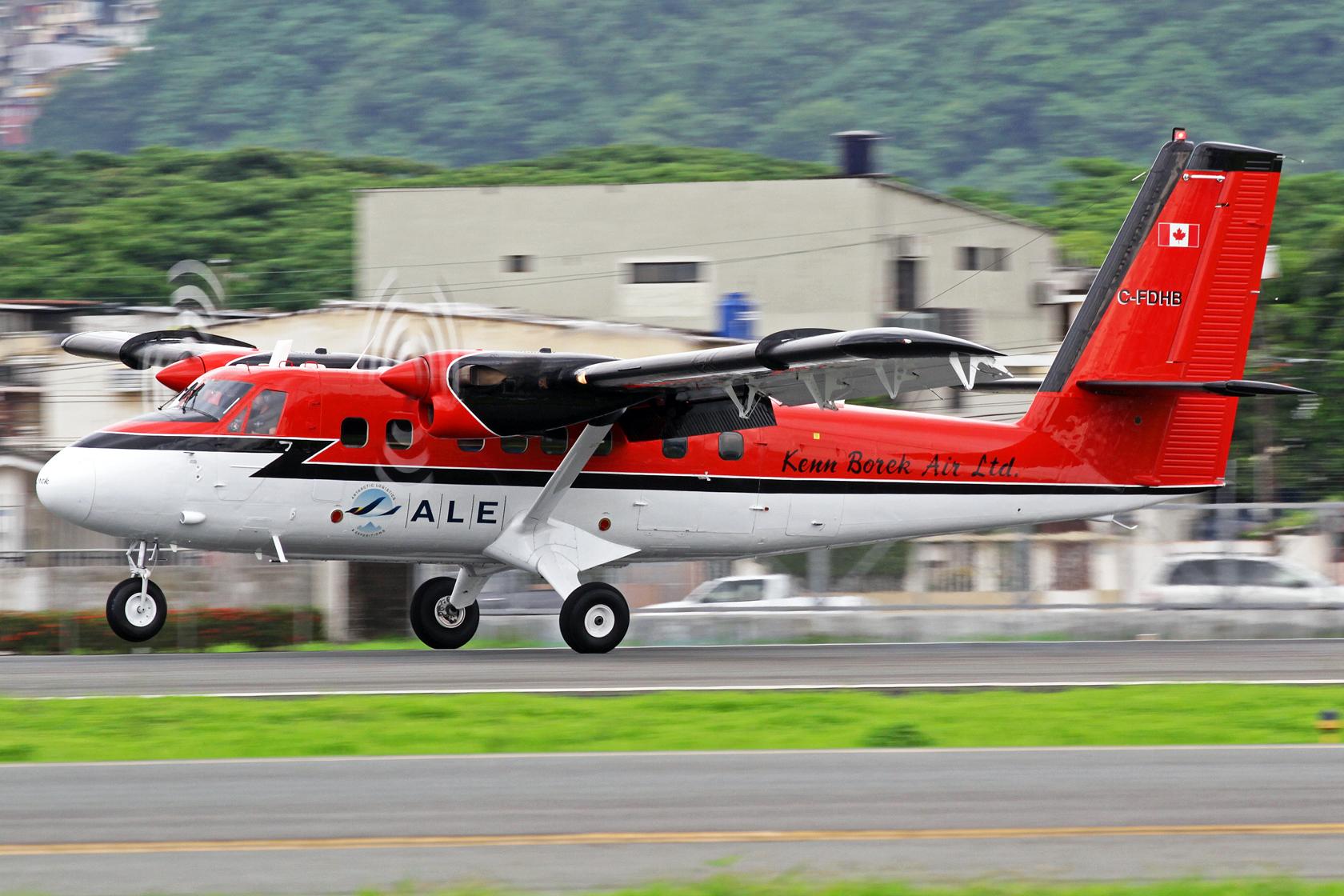 Kenn Borek Air Ltd. DeHavilland DHC-6-300 C-FDHB - Ein völlig unvorhergesehener Gast, der sich auf dem langen Flug aus der Antarktis nach Calgary befand und hier einen Zwischenstop einlegte.