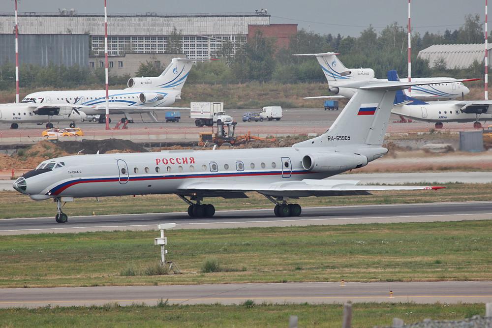 Die TU-134 der Rossia nach der Landung