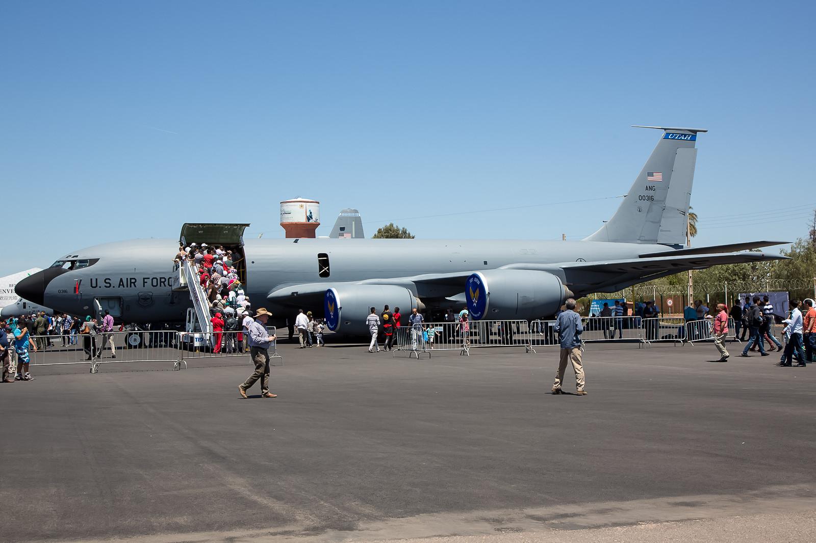 KC-135 der Utah ANG, 60-0316. Der Andrang war groß , um den betagten Vogel mal von innen zu sehen.