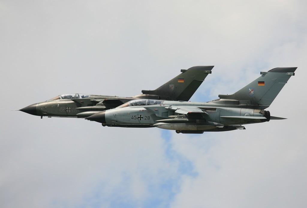 Zwei Tornado IDS des JaBoG 31 aus Nörvenich beim TPDU 2007.