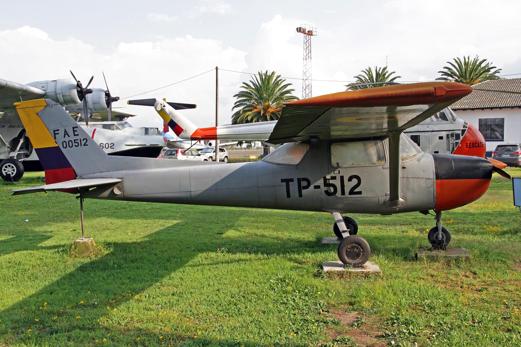 Fuerza Aérea Ecuatoriana Cessna 150L FAE-00512