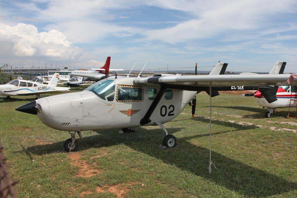 Ein eher seltener Typ ist die Reims-Cessna F-337G Super Skymaster