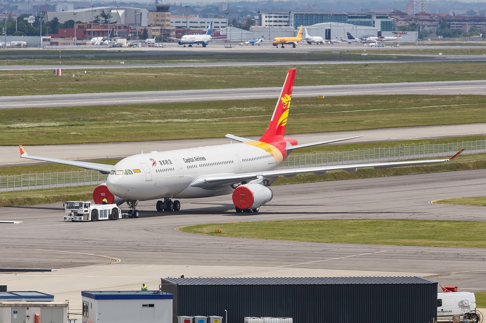 A330 für Capital Air, eine Airline der HNA Group.