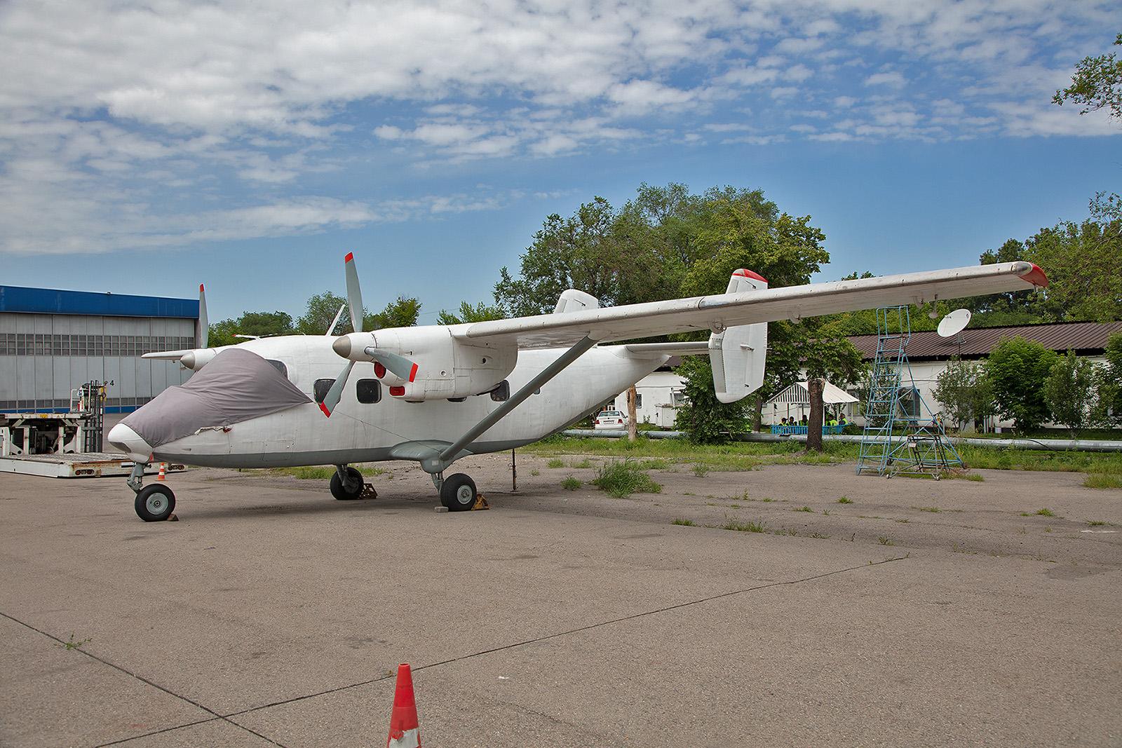 Antonov 28 der East Wing. Da sie keine Registrierung mehr hat ist es fraglich ob sie noch fliegt.