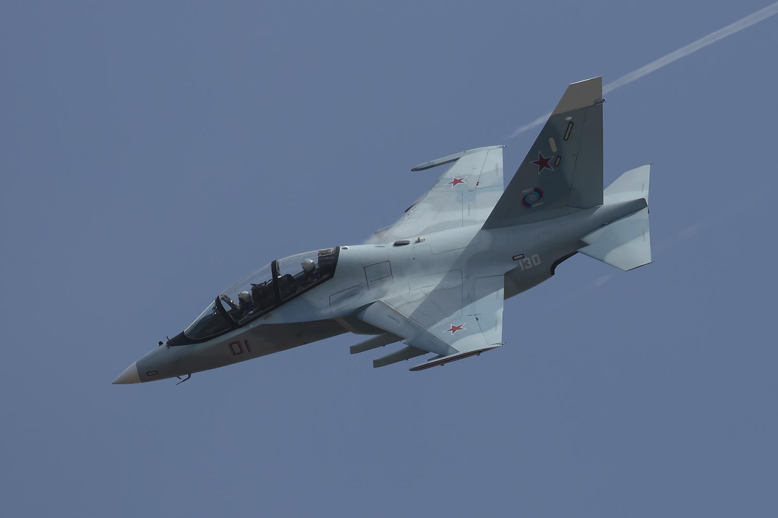 Nochmal die Yak-130, die schon aufgrund ihrer Größe schwer zu fotografieren ist.
