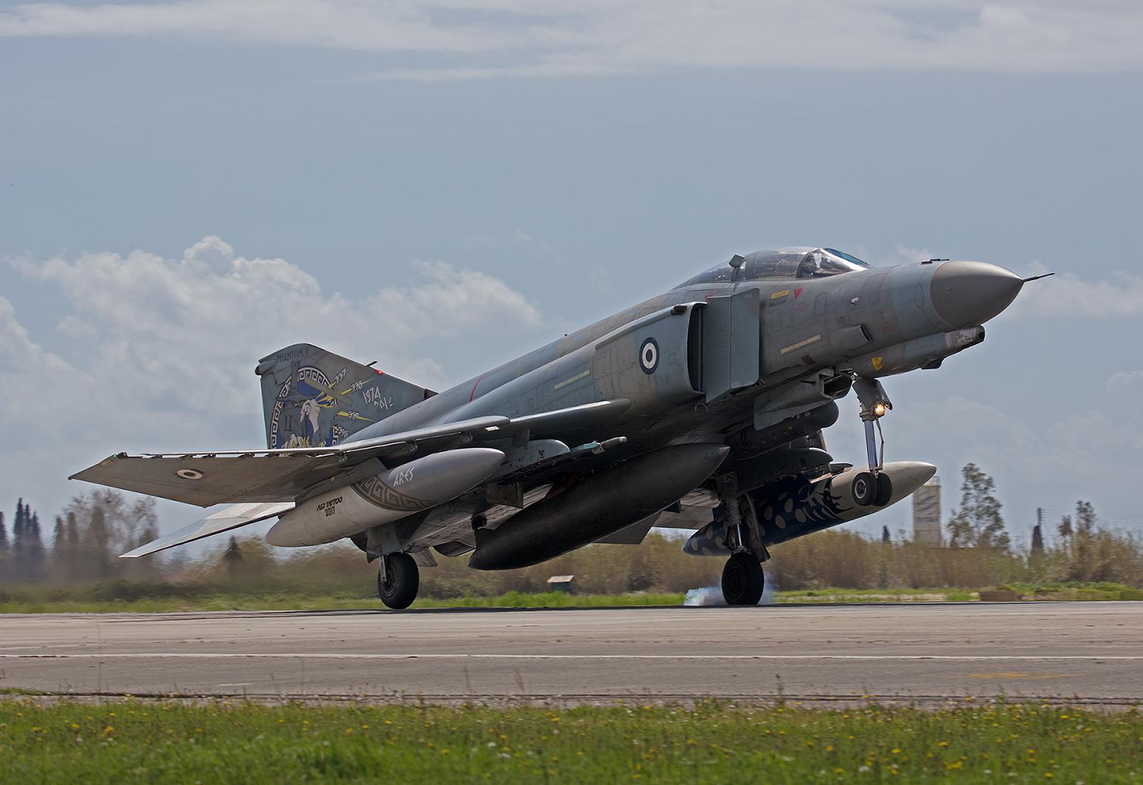01505, McDonnell Douglas F-4E (AUP) Phantomm II der Hausherren aus Andravida.