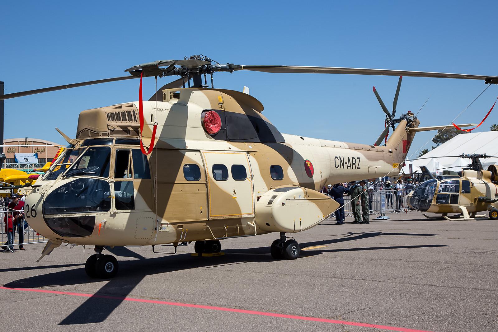 Auch die Pumas der Luftwaffe haben Sandfilter vor den Triebwerkseinläufen.