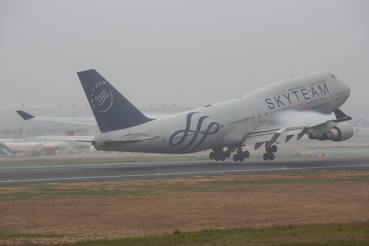Boeing 747-400 der China Airlines in den Farben des Skyteam.